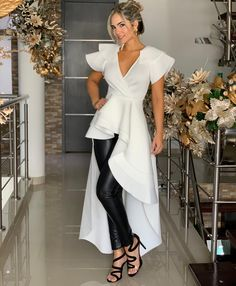 Image may contain: 1 person, standing and shoes Dress Outfits, Fashion Dresses, Dress Up, Look Fashion, Womens Fashion, Fashion Design, Classy Outfits, Casual Outfits, Camisa Formal
