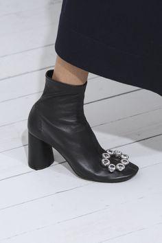 Céline at Paris Fashion Week Spring 2018 - Details Runway Photos Quirky Shoes, Unique Shoes, Sock Shoes, Shoe Boots, Paris Fashion, Fashion Shoes, Fashion News, Celine Boots, Gucci