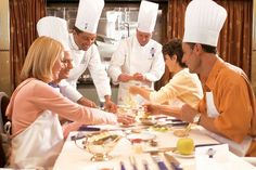 Voyager, Cooking Demo #regent #croisiere http://www.seagnature.com/compagnies.php?idcie=18