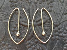 Oval Silver Hoops * Argentium Sterling Hoop Earrings * MetalRocks Original * Made in Canada * Fun Everyday Modern Unique Sleeper Hoops Silver Drop Earrings, Unique Earrings, Etsy Earrings, Earrings Handmade, Handmade Jewelry, Hoop Earrings, Silver Jewelry, Wire Jewelry, Silver Ring