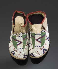 Sioux beaded hide moccasins. Interesting pattern! Lane stitch.