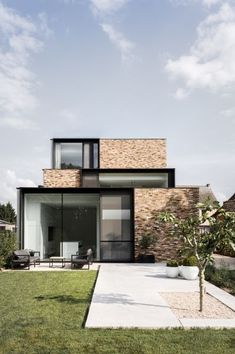 Modern House Design : house H – Architecture Minimalist House Design, Tiny House Design, Modern House Design, Modern Brick House, Modern House Facades, Dream House Exterior, Exterior House Colors, Facade Design, Exterior Design