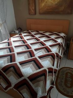 Best 12 Pyramid Crochet Afghan Pattern Free – Her Crochet Crochet Bedspread Pattern, Granny Square Crochet Pattern, Afghan Crochet Patterns, Crochet Squares, Granny Squares, Lidia Crochet Tricot, Crochet Afgans, Manta Crochet, Crochet Instructions