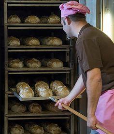 Die Natur gibt uns alle Zutaten in die Hand, um richtig gutes Brot zu backen. Mit handwerklicher Leidenschaft entsteht so authentischer Brotgenuss. 😍 😍 😍 #Bachmannmoment #ConfiserieBachmann #Confiserie #Bachmannconfiserie #Bäckerei #Bakery #instafood #instasweet #Brot #Bäcker #Bäckerei Bread, Food, Passion, People, Nature, Bakken, Eten, Bakeries, Meals