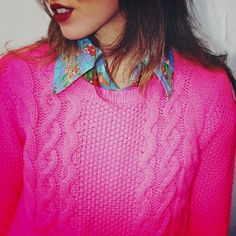 her pink sweater and floral collar <3
