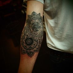 Guy le tatoueur  @Jackie Godbold Sandmeyer how's this for a tattoo?! OUCH!