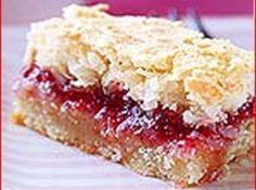 Raspberry Bars, Raspberry Cookies, Strawberry Filling, Coconut Jam, Pinch Recipe, Cookies For Kids, Delicious Desserts, Dessert Recipes, Tart Recipes
