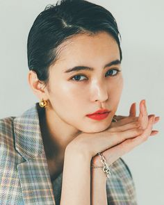 Androgynous Makeup, Androgynous Haircut, Vintage Fashion Photography, Jewelry Photography, Short Hair Cuts, Short Hair Styles, Photographing Jewelry, Beautiful Asian Women, Makeup Inspo