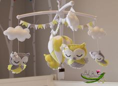With MUSICAL CRIB ATTACHMENT. Pale grey, yellow & white owls and hot air balloon musical rotating mobile. Made to order by BabyBeansNZ on Etsy