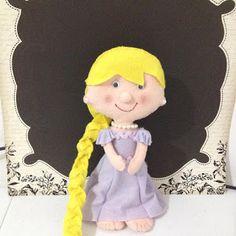Fricotes da Juju: Rapunzel em feltro