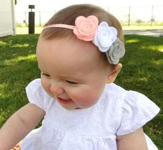 Baby Headbands Pink Gray White Newborn Girl por BlueSkyDesignsCo