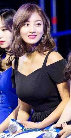 twice ♡ jihyo Kpop Girl Groups, Korean Girl Groups, Kpop Girls, Nayeon, Jihyo Twice, Twice Kpop, Beautiful Asian Girls, South Korean Girls, Asian Woman