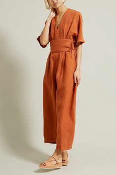 Stitch Fix, this would be a perfect jumpsuit for summer for me. Love the color, the wide belt and oversize style. I like that it has sleeves, but has a midi length in the legs. Black Crane V-Neck Jumper in Brick Look Fashion, Womens Fashion, Fashion Design, Fashion Trends, 2000s Fashion, Fashion Black, Diy Fashion, Fashion Dresses, Vintage Fashion