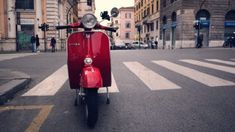 Red vespa scooter parked on a city street in Rome Italian Grammar, Italian Language, Piazza Navona, Turin, How To Speak Italian, Nouns And Adjectives, Rome City, Rome Streets, Scooter Custom