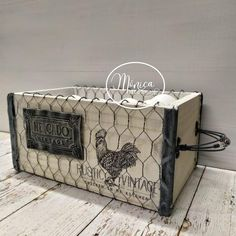 Tin Can Crafts, Wood Crafts, Arts And Crafts, Decoupage Box, Egg Holder, Country Paintings, Tole Painting, Vintage Farmhouse, Wood Boxes
