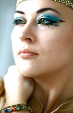 cleopatre_makeup_horus