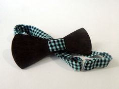Imagine.... all your friends wearing a wooden bowtie like this at your party.