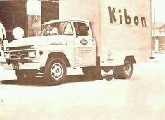 Distribuiçao de sorvetes Kibon,carro antigo