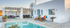 Santorini private villas and holiday rentals with private pool. Our villas are suitable for couples, families with children or a group of friends celebrating a special occasion. Wedding receptions, Yoga retreat in Santorini.