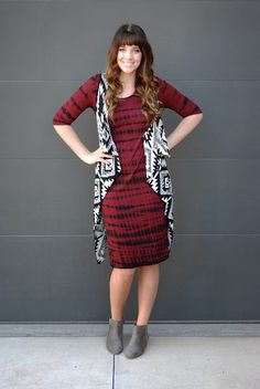 Mixing prints for fall. Fall outfit on the red closet diary blog. Clothing from Styles For Less.