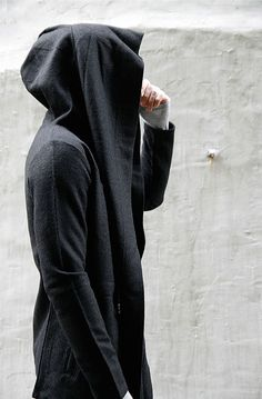 Ohh cool hoodie...Haikooz inspiration?