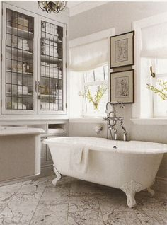 Belclaire House: bathroom with antique bathtub