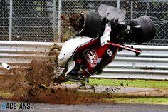 batidas - Imagem do acidente de Marcus Ericsson durante o treino livre do GP da Italia de 2018 ⠀ Le Mans, F1 Crash, Marcus Ericsson, Italian Grand Prix, Because Race Car, F1 Drivers, F1 Racing, First Art, Indy Cars
