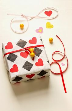 wrap, wrappers and wrapping: Wrapper of the Week Molly Mell Everything you can do with a heart!