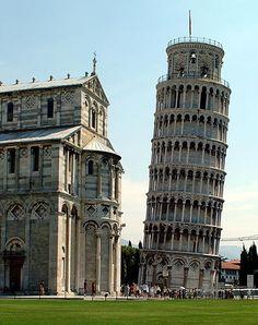 Torre di Pisa Ponte 2 giugno Www.4roomspisa.it www.bbselection.it