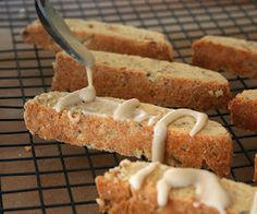 Maple Walnut Biscotti (Low Carb and Gluten-Free) | All Day I Dream About Food (tweak the sweetener?)