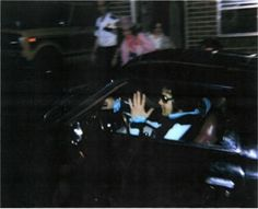 Elvis Presley    This is a snapshot of Elvis pulling into Graceland with girlfriend Ginger Alden August 16, 1977 after a visit with a dentist. The King had been suffering from health problems, but was set to start touring again, with a flight scheduled for that evening. Sadly he never made it. Elvis Presley Graceland, Steve Jobs, Tupac Shakur, Jim Morrison, Robin Williams, Amy Winehouse, Paul Walker, Jimi Hendrix, Freddie Mercury