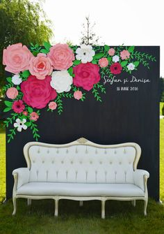 Wedding panel with paper flowers