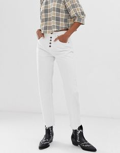 casual white long sleeves with buttons and high waist jeans. Visit Daily Dress Me casual white long sleeves with buttons and high waist jeans. Visit Daily Dress Me … Latest Fashion Clothes, Latest Fashion Trends, Fashion Online, Asos Online Shopping, Online Shopping Clothes, Jeans Pants, Mom Jeans, Daily Dress Me, White Denim
