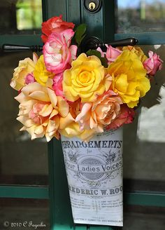 may day bouquet May Flowers, Beautiful Flowers, May Day Baskets, The Birth Of Christ, Happy May, May Days, Rose Bouquet, Thank You Gifts, Craft Gifts