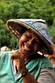 :) 🌴Bali Salt Farmer. *What a joy-filled face she has, what could be more beautiful? jandm