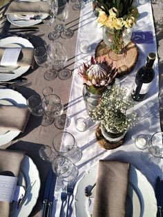 Beautiful tables for a beautiful wedding day Mind Blown, Table Settings, Tables, Wedding Day, Table Decorations, Diy, Beautiful, Home Decor, Mesas