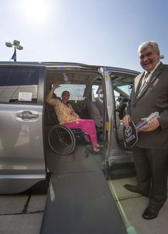 Courtney Boyll getting comfortable in her in brand new #wheelchair accessible van! #NMAM14 #NMEDA