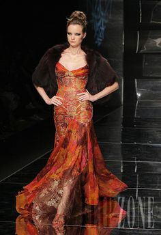 Abed Mahfouz - Couture - Fall-winter 2005-2006 - http://www.flip-zone.net/fashion/couture-1/independant-designers/abed-mahfouz,605