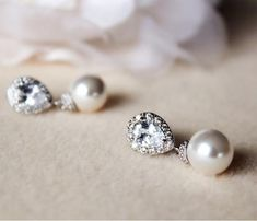 Pearl Bridal Earrings, Pearl Wedding Jewelry, #weddingjewelry #pearlearrings #weddingearrings #bridaljewelry #postearrings #whiteivory #pearlbridalearring #bridesmaidgift #pearljewelry #swarovskipearls #pearlbridaljewelry #bridesmaidearrings #droppearlearrings