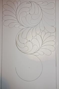 Great tutorial for circular feathers for quilt border Quilting Stencils, Quilting Templates, Longarm Quilting, Free Motion Quilting, Quilting Tutorials, Machine Quilting Patterns, Quilt Patterns, Henna Patterns, Whole Cloth Quilts