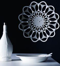 Wall-Mounted #clock & by Diamantini & Domeniconi | #design Juan Carlos Viso