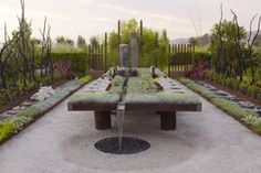 A garden designed addressing the issues of Global warming and sustainability for the Late Show at Cornerstone Gardens in Sonoma (California) Wonderful garden!