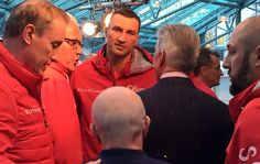 Vier Tage nach seiner Niederlage gegen den Engländer Tyson Fury hat Wladimir Klitschko sich entschieden, die vertraglich vereinbarte Rückkampfoption gegen Fury zu