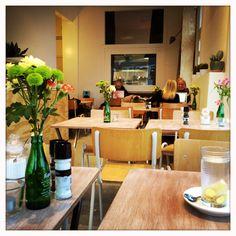 The Breakfast Club Amsterdam. De leukste ontbijt locatie in Amsterdam West. Tegenover de Foodhallen en ze hebben de lekkerste Pumpkinbread EVER! Lees hier mijn review: http://www.mytravelboektje.com/breakfastclub/
