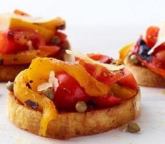 Everything's better on toast! Whether you go savory or sweet, bruschetta and crostini are always a hit. These quick and easy appetizer recipes make entertaining a breeze. Quick And Easy Appetizers, Easy Appetizer Recipes, Bbq Appetizers, Veggie Recipes, Bread Recipes, Cookie Recipes, Healthy Recipes, Fried Peppers, Roasted Peppers