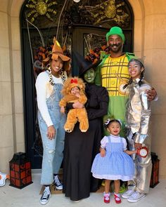 Some of your favorite stars brought all of their style and innovative thinking to celebrate Halloween Kobe Bryant Family, Lakers Kobe Bryant, Vanessa Bryant, Kobe Bryant Daughters, Kobe Bryant Black Mamba, Tamera Mowry, All In The Family, Darth Vader, Champs