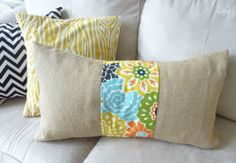 burlap floral strip pillow DIY tutorial at thehappyhousie