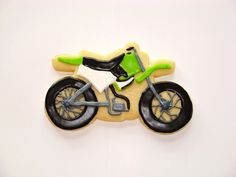 Dirt Bike Cookie - The Art of the Cookie Sugar Cookie Royal Icing, Cookie Icing, Cookie Cutters, Dirt Bike Cakes, Dirt Bike Party, Canning Soup, Elegant Cookies, Car Cookies, Adult Party Themes