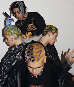 Shaved Hair Designs, Shave My Head, Grunge Hair, Mode Vintage, Looks Cool, Hair Inspo, Hair Goals, Dyed Hair, Cool Hairstyles