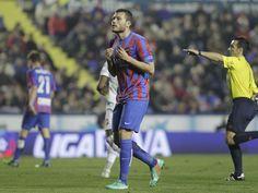@Levante David Navarro lamenta una ocasión de gol perdida #9ine